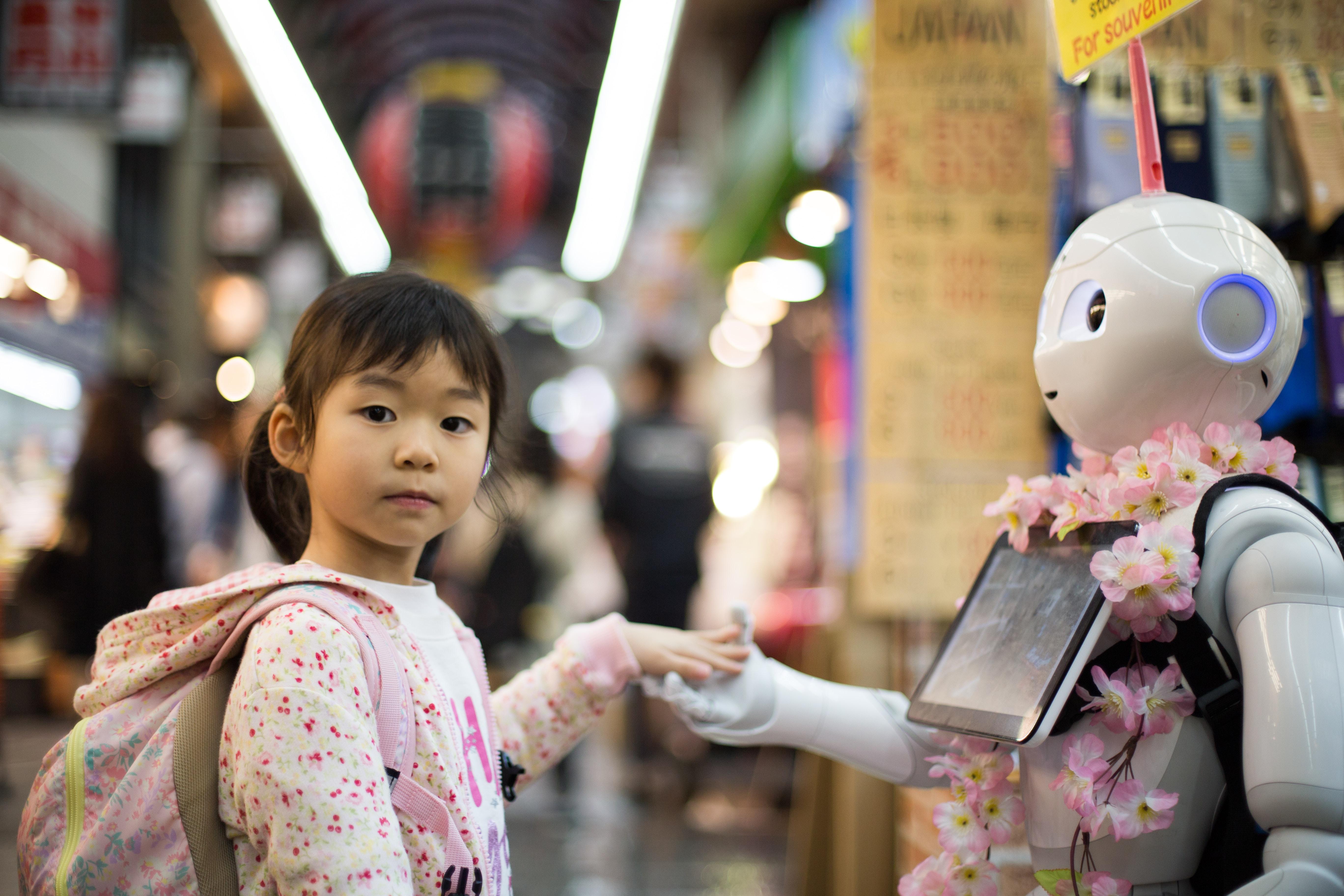 Rob'autisme ou quand le robot devient une prothèse communicationnelle - Entretien avec Sophie Sakka