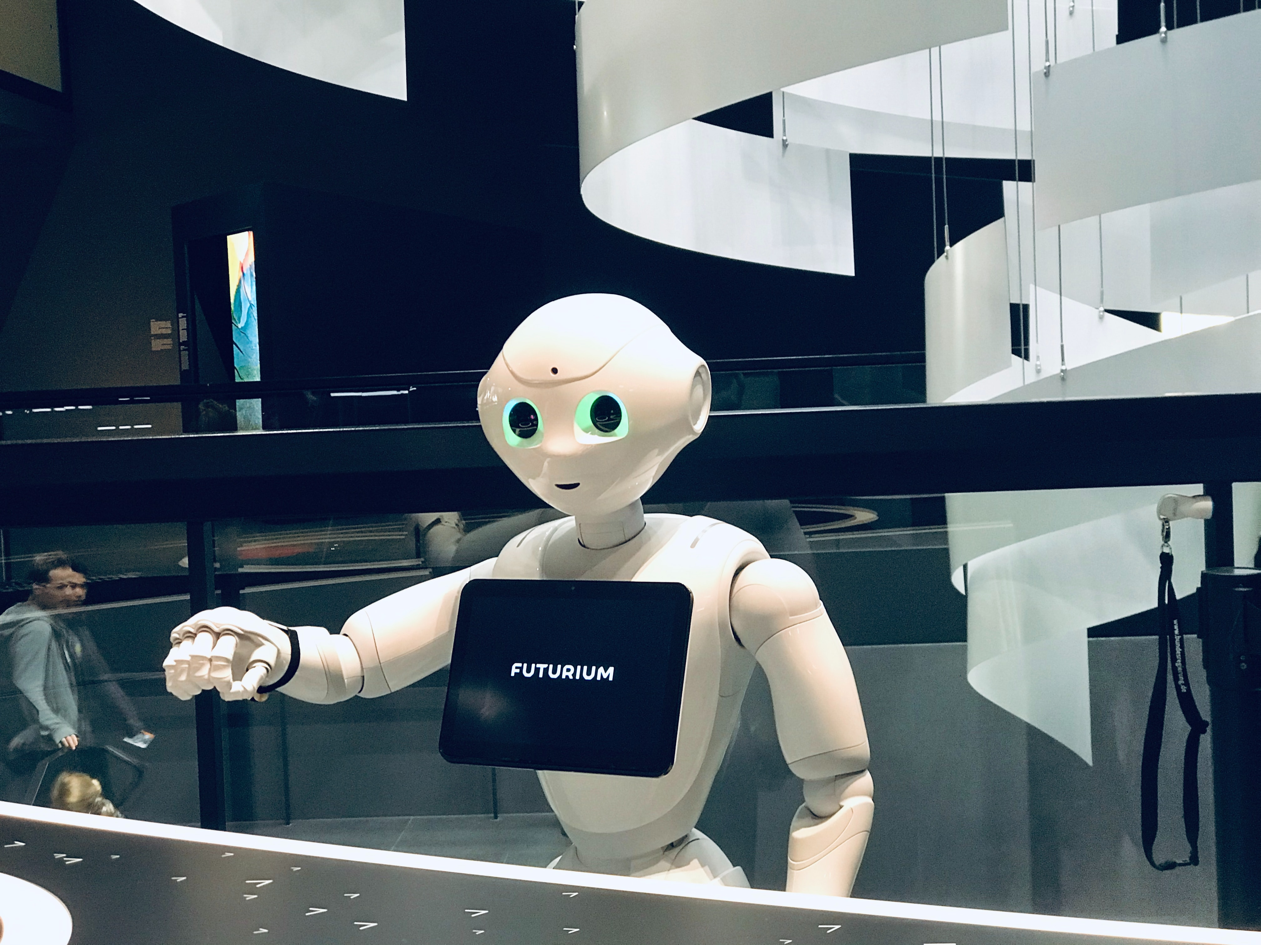 L'avenir de la robotique sociale : entre tentation dataïste et salut politique